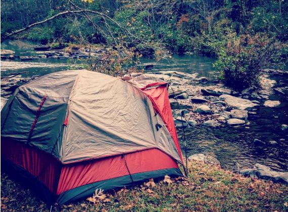 Como acampar em dias de chuva